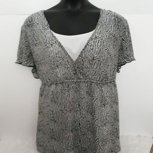 Black/White Blouse Size 2X